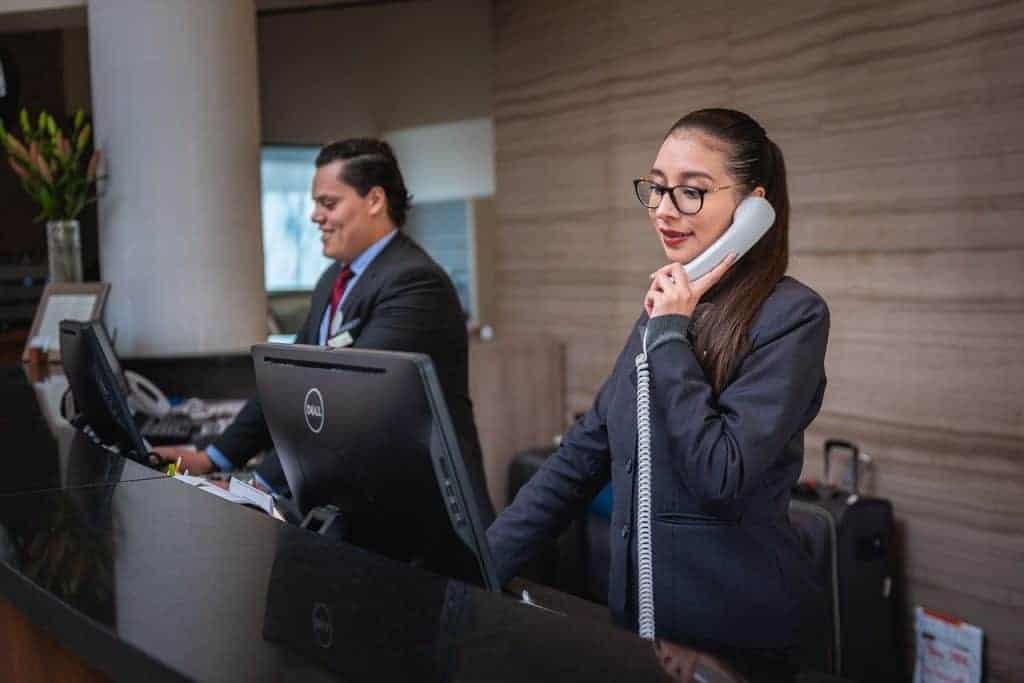 receptionists, phone call, hotel-5975962.jpg
